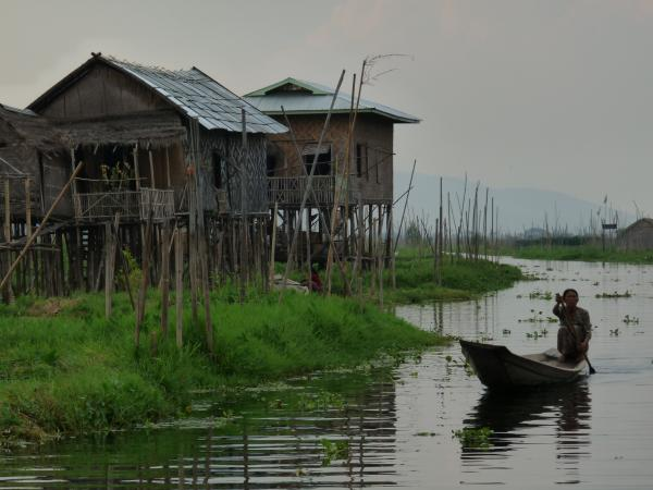 Birmanie - Lac Inle : Village Intha