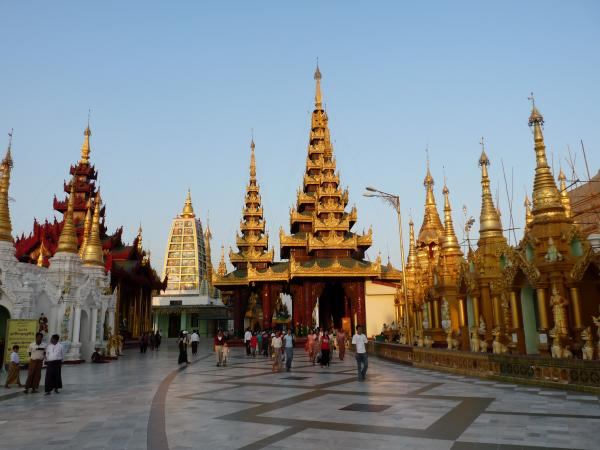 Birmanie - Rangoon : La pagode Shwedagon