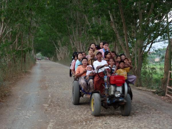 Birmanie - Lac Inle : Au hasard des chemins