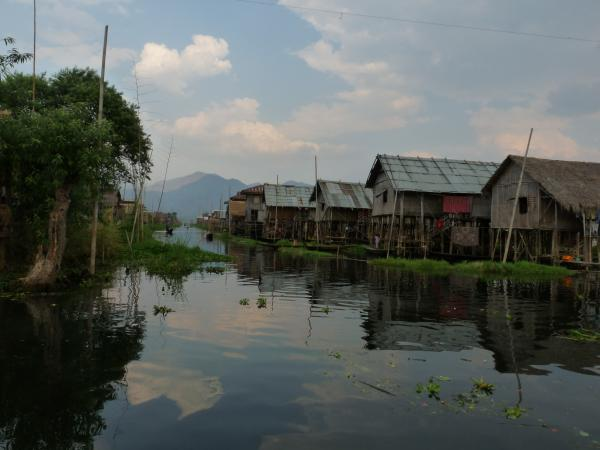 Birmanie - Lac Inle : Village lacustre intha