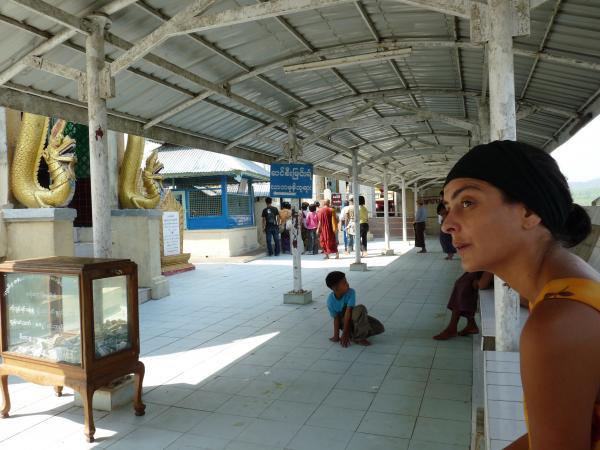 Birmanie - Mont Popa : le Taungkalat